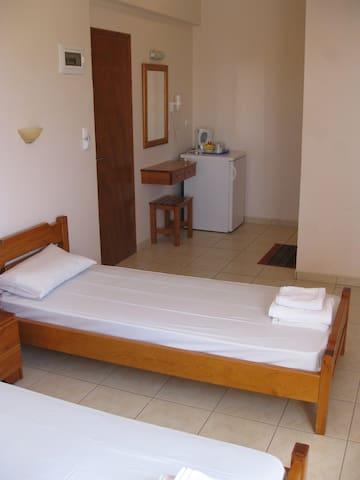Trendy Rooms in Agathias - Agkathia - Byt