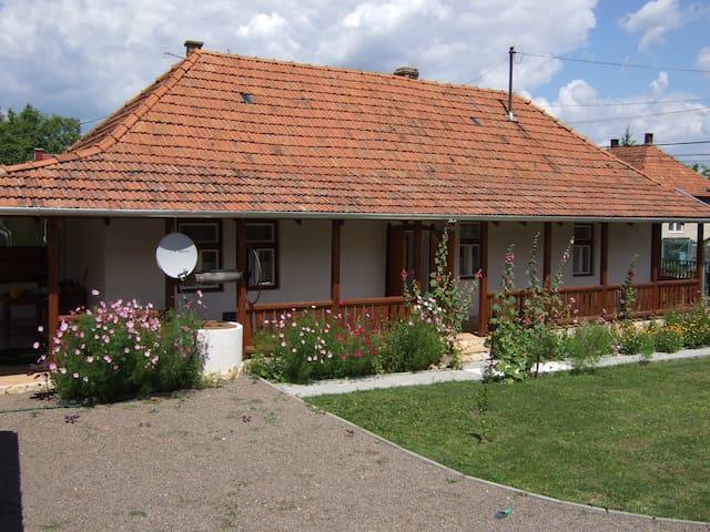 Knight Cottage, Bodony, Hungary - Bodony - Hus