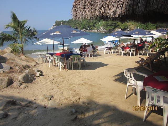 Boca Bed & Breakfast - Boca de Tomatlan - 家庭式旅館