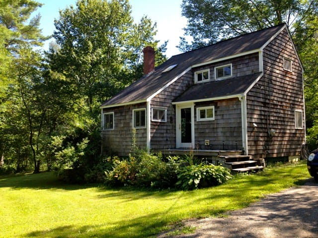 Fabulous cottage/850sq. ft on 8 private acres - Lincolnville - Hus