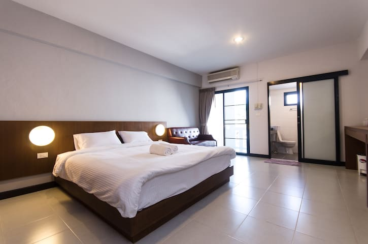BEST VALUE, OFF THE NIMMAN AREA - Mueang Chiang Mai - Daire