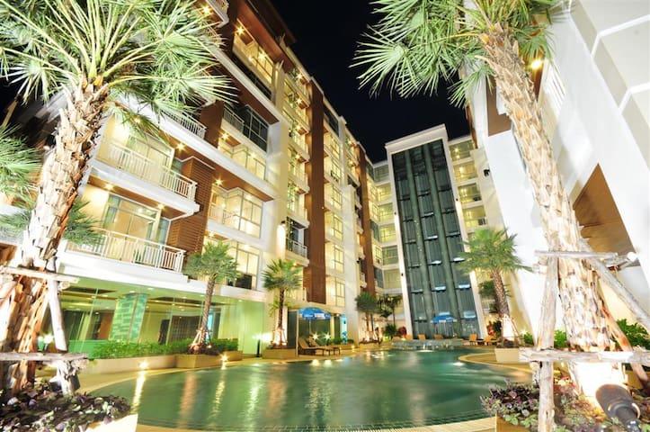 Near New Pool View Apartment - Patong - Huoneisto