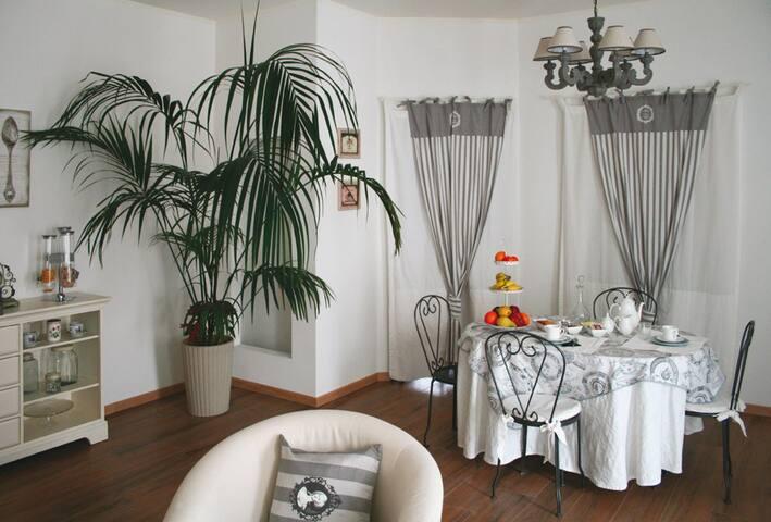 L'inimitabile accoglienza di casa - Casalmaggiore - 家庭式旅館