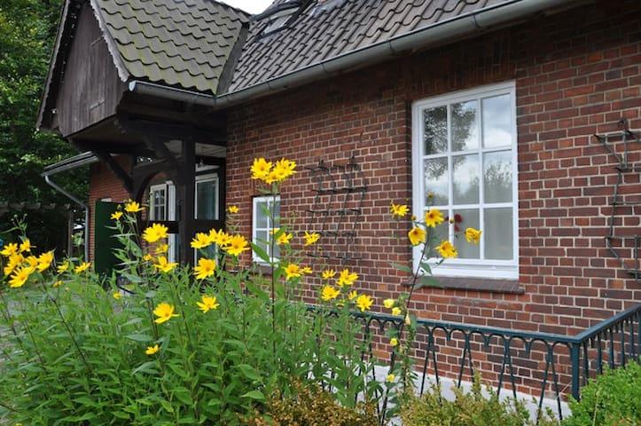 Großzügige Wohnung für Heide-Ferien - Bispingen - Appartamento