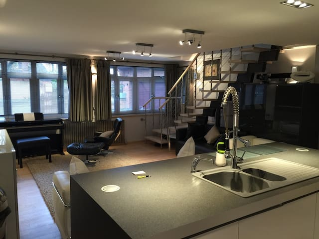 Ultra Modern Designed Apartment  - Witherley - Appartement