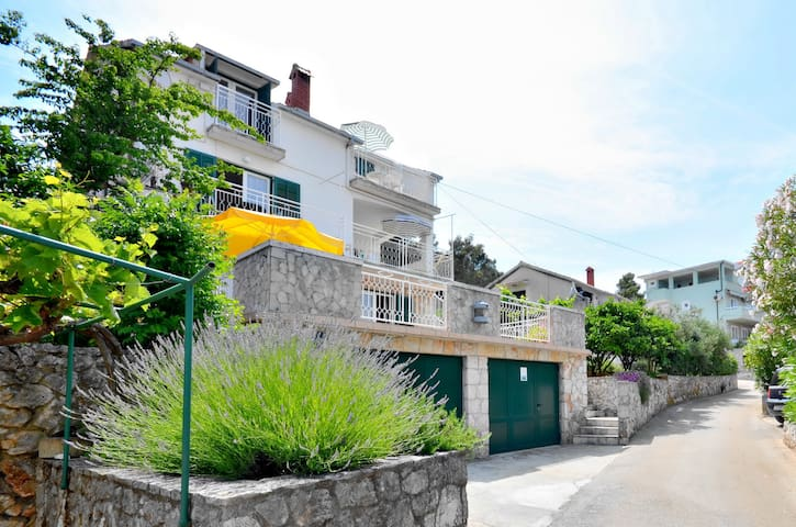Apartment on Hvar, Jelsa, Croatia 1 - Jelsa