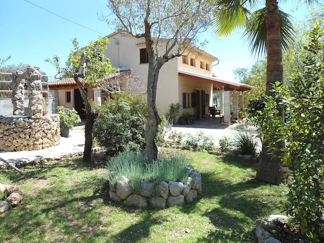 Cottage with swimming pool & garden - Caimari - Dom