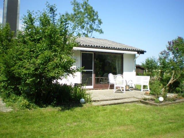 Schwackendorf`s little cottage - Hasselberg - Apartamento