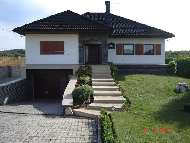 belle maison en pleine nature - Valpaços - Casa