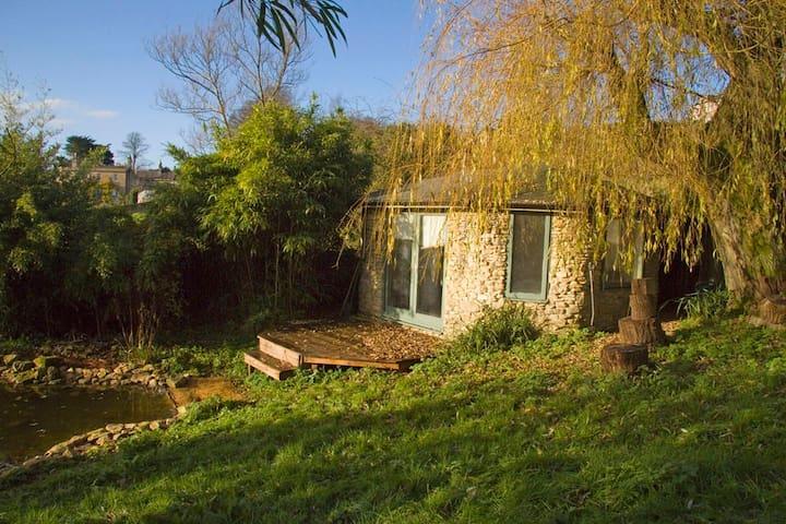 Off-Grid Summer House - Bath - Kabin