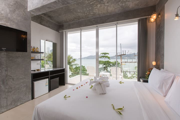 Superior Double Room with Sea View  - Patong - Pousada