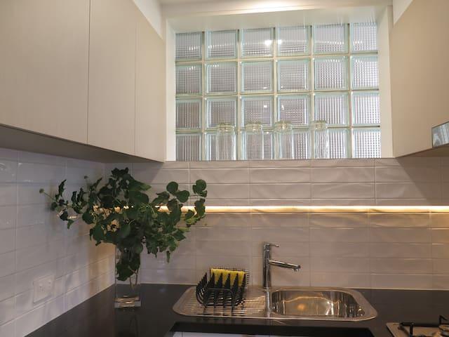 dlux+apartment close CBD Geelong ! - Newtown - Appartement