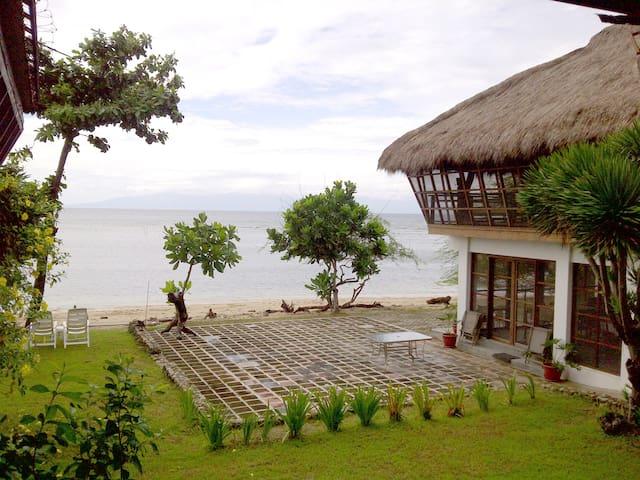 Family Beach House sleeps 24 + - Calatagan