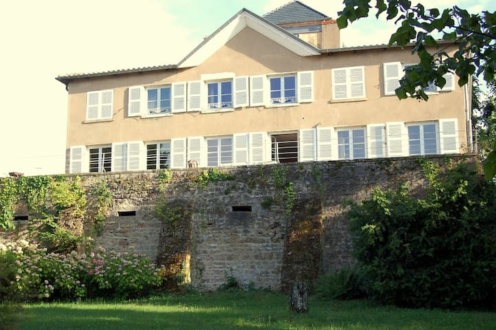 18th century mansion in Beaujolais - Blacé - Oda + Kahvaltı