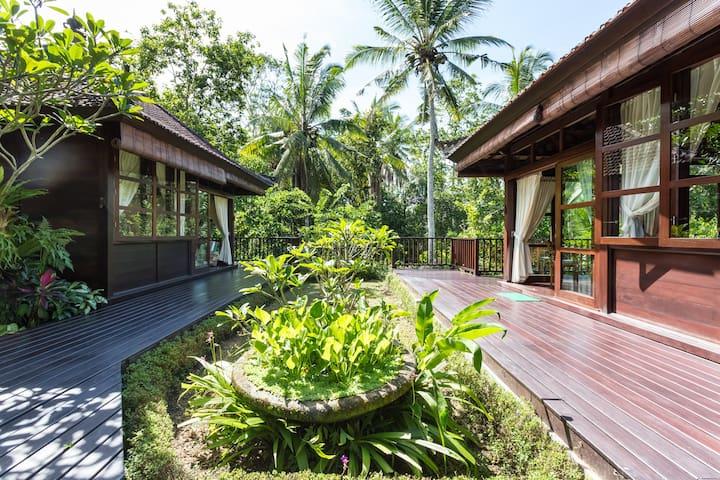 Relaxing Bali Bungalow Getaway. - Tabanan - Bed & Breakfast