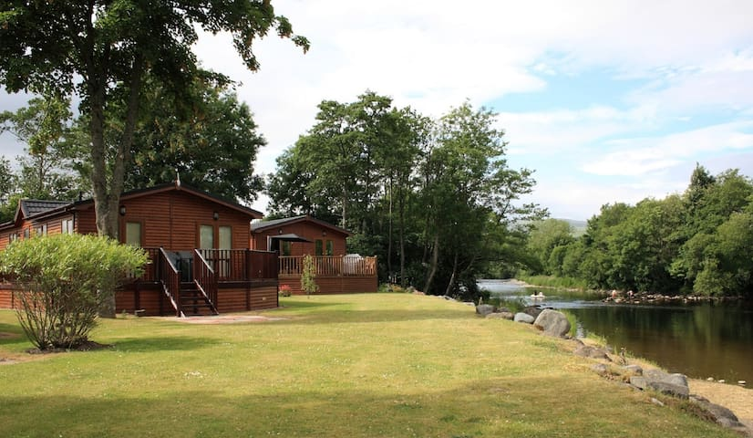 Two bedroomed lodge with spa pool hot tub - Crieff - Cabaña