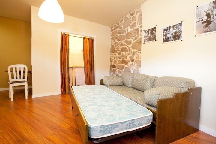 Studio 2pax with kitchen+bathroom - Arcos De Valdevez - Appartement