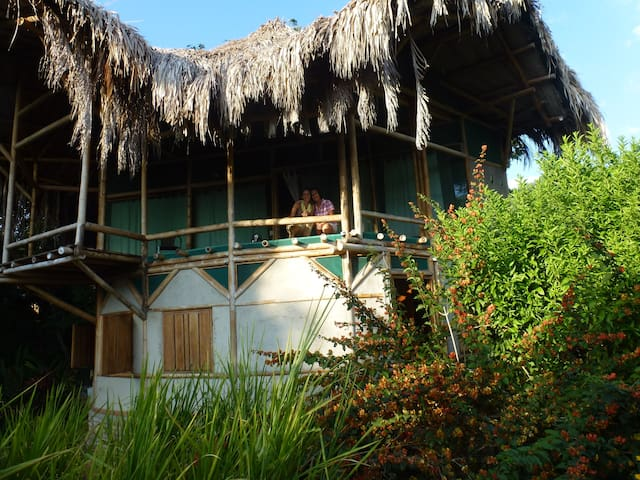 Bamboo House in the Jungle. - Minca - Hus