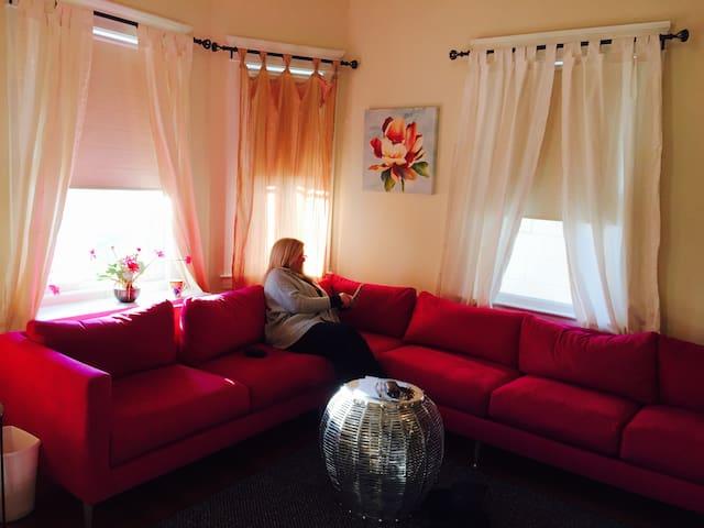 ELEGANT NEWLY RESTORED VINTAGE HOME - White Plains - Hus