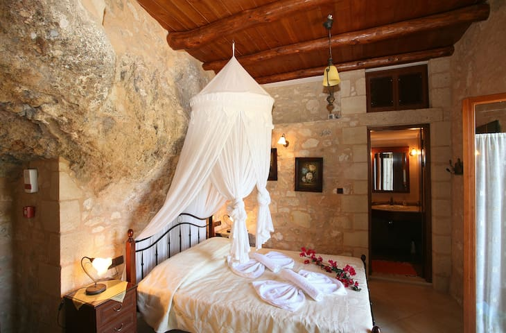 Luxurious stone villa in Crete - La Canea - Villa