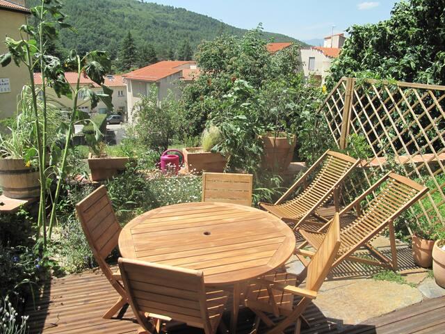 Appartement T2 Jardin/terrasse - Vernet-les-Bains - Leilighet