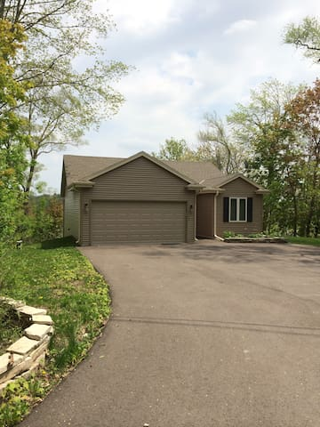 House on the Lake-New and Clean - Mukwonago - Casa