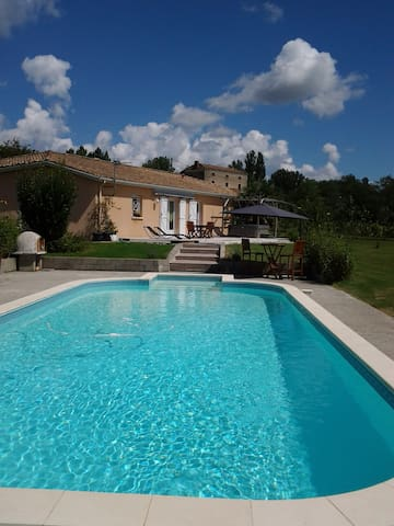 private room  - Castelmoron-sur-Lot - Hus
