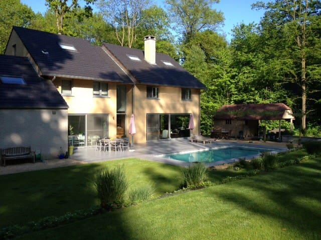 Villa dans un quartier champêtre - Enghien