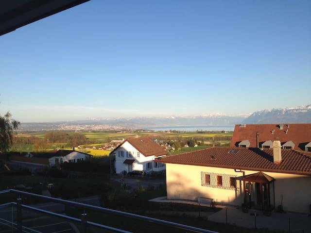 Magnifique vue Lac Léman et Alpes - Yens - Daire