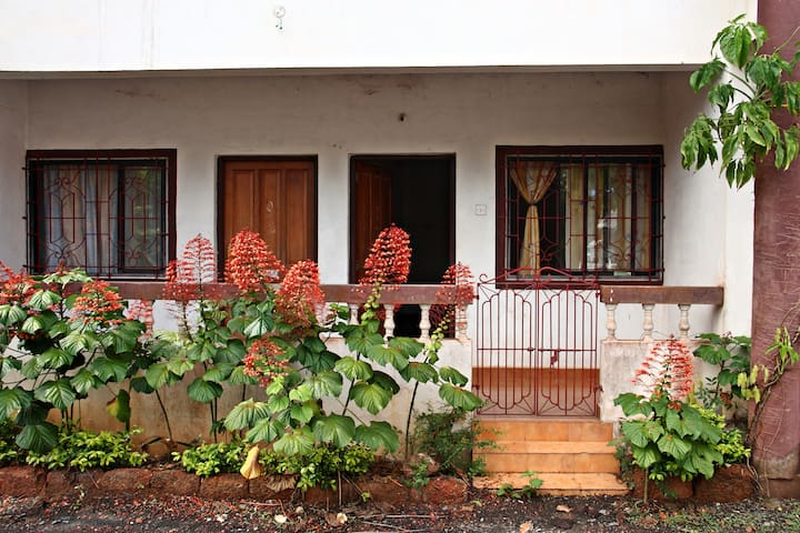 Furnished home - Siolim North Goa - RIVER SIDE - Siolim - Appartement