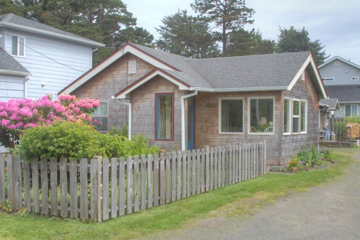 Charming Cottage in Cannon Beach - Cannon Beach - Sommerhus/hytte