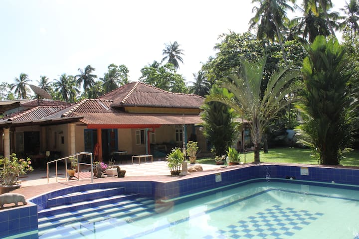 Villa Weiss - 5 minutes to beach - Aluthgama - Huis