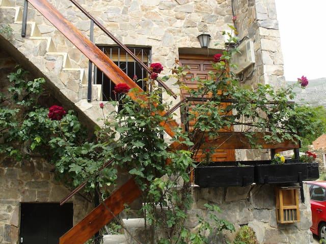 Casa en Valverde de los Arroyos - Valverde de los Arroyos - Hus