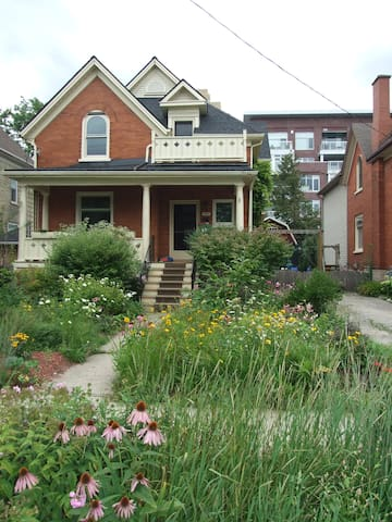 Family Home With Character - Uptown - Waterloo