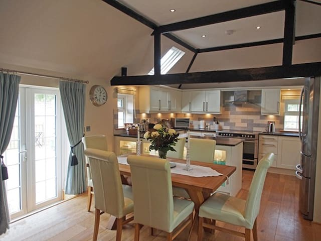 5 Star luxury holiday cottage - Hurstpierpoint