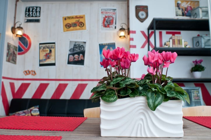 Colorful apt in Prosecco heart - Vittorio Veneto - Apartamento