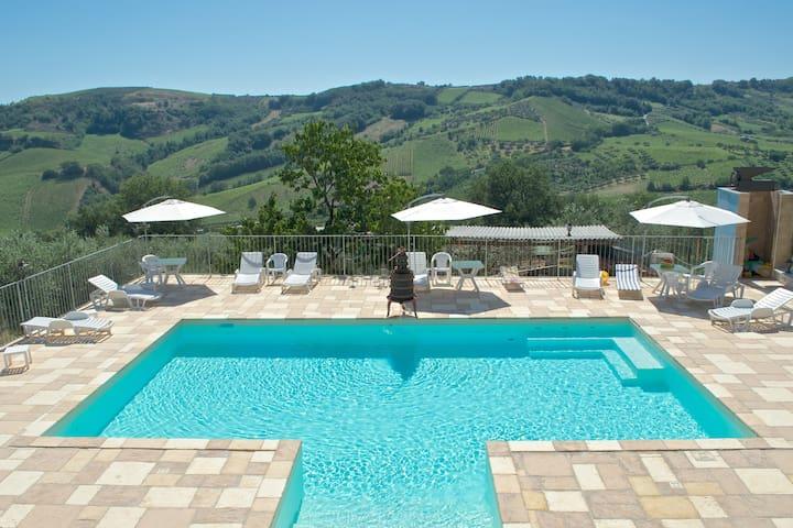 Farm House in the hills of Abruzzo - Miglianico - Bed & Breakfast