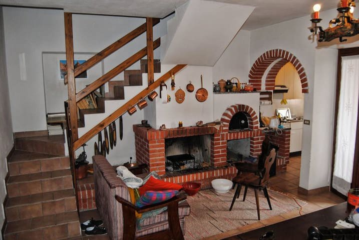 typical cottage in the mountain - Cino - Xalet
