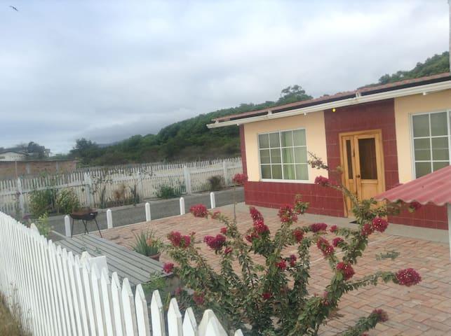 3 Br House Oceanfront, furnished - San Jacinto - Haus