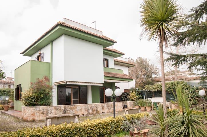 Nice villa in the Apulian Murge - Calendano - Hus