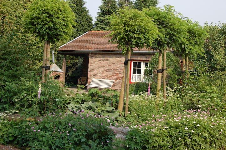 vakantiehuisje in kleinschalig park - Geulle - Hytte