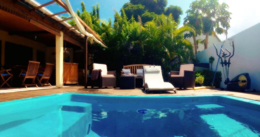 B & B with a pool - Saint-Paul