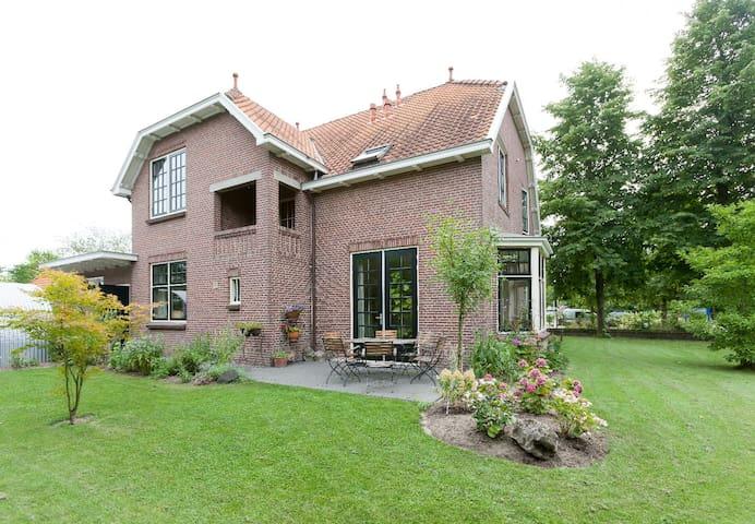 Monumentale villa in dorpje vlak bij Deventer 3 p. - Olst - Wohnung