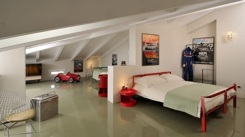 Tribute to Ferdinand Porsche Room - Molinella - Bed & Breakfast