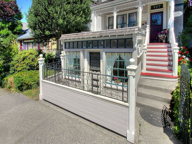 Mrs Jensen's Bakery Suite  - Tacoma - Wohnung