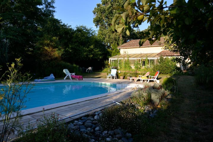 Beautiful house with swimming pool - Tilh - Hus
