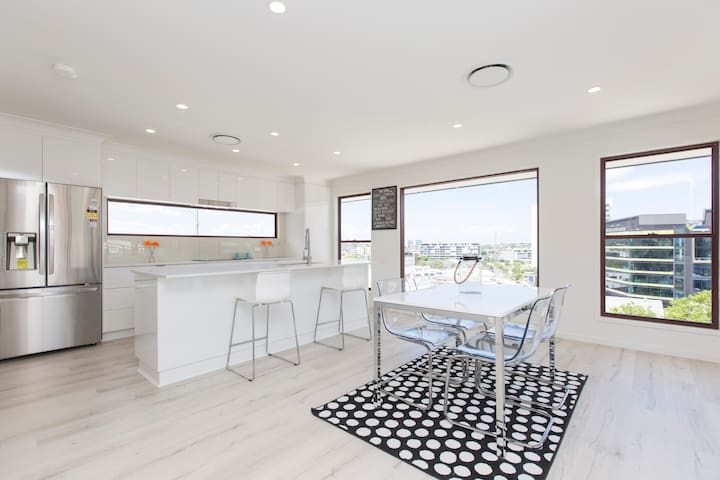 Chic House in the City! - Bowen Hills - Rumah