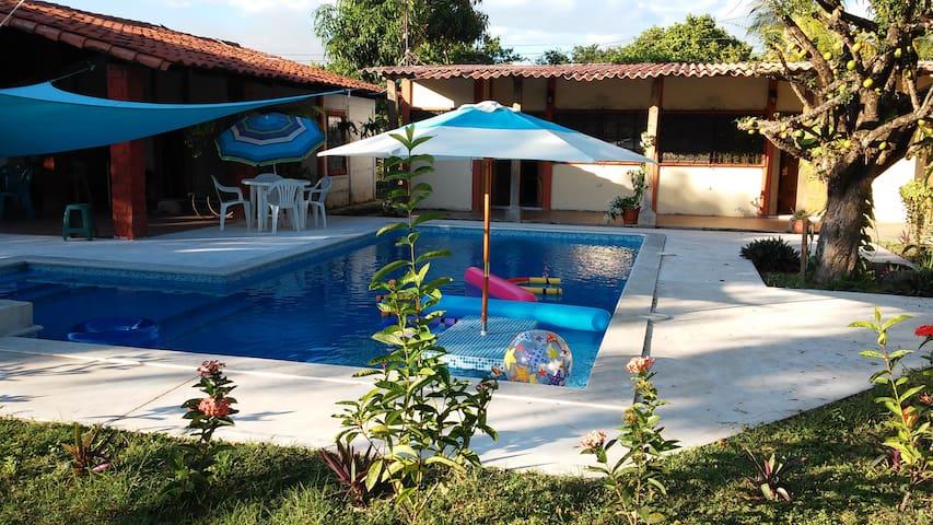 Beautiful White Sand Beach Property - Playa Los Cobanos - 別荘