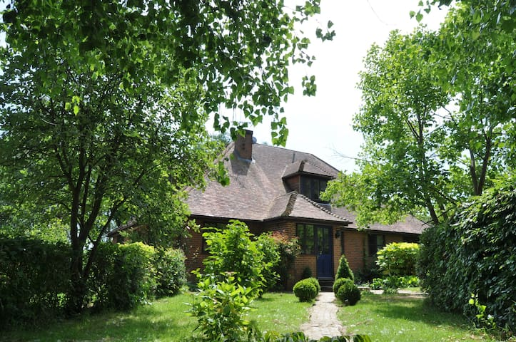 Large six bedroom country house - Cranbrook - Huis