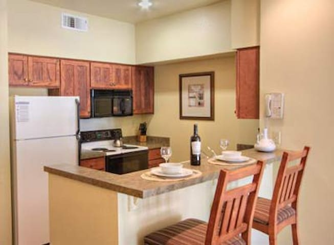 Clear Lake, CA Resort 2BR FREE WiFi - Nice - Villa